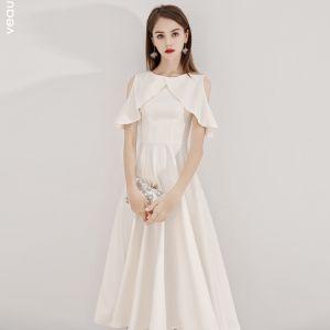 Modest / Simple Champagne Homecoming Graduation Dresses 2019 A-Line / Princess Scoop Neck Short Sleeve Tea-length Formal Dresses