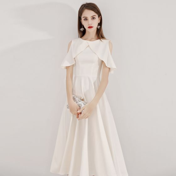 Modest / Simple Champagne Homecoming Graduation Dresses 2019 A-Line / Princess Scoop Neck Short Sleeve Tea-length Formal Dresses