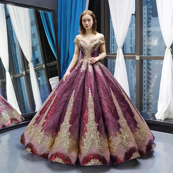 Błyszczące Winogrono Taniec Sukienki Na Bal 2020 Suknia Balowa Przezroczyste Kwadratowy Dekolt Kótkie Rękawy Aplikacje Cekiny Frezowanie Długie Wzburzyć Bez Pleców Sukienki Wizytowe