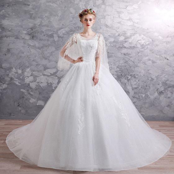 0d7f6af51e Piękne Białe Suknie Ślubne 2019 Suknia Balowa Wycięciem 3 4 Rękawy Bez  Pleców Aplikacje Z Koronki Frezowanie Cekinami Tiulowe ...