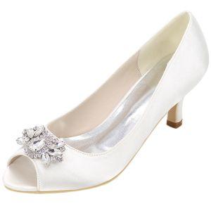 Elegant White Prom Pumps 2020 Satin Crystal Rhinestone 6 cm Stiletto Heels Open / Peep Toe Pumps
