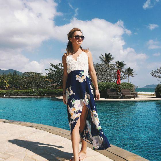Overkommelige Mørk Marineblå Sommer Strand Maxikjoler 2020 Spaghetti Straps Ærmeløs Trykning Blomsten Chiffon Ankel Længde Split Foran Halterneck Tøj til kvinder