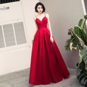 Sexy Burgundy Evening Dresses  2018 A-Line / Princess Spaghetti Straps Sleeveless Floor-Length / Long Ruffle Backless Formal Dresses