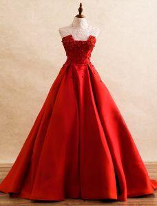 Schöne Abendkleider 2016 Einzigartige Ausschnitt Applique Blumen Roten Satin Ballkleid Rüschen