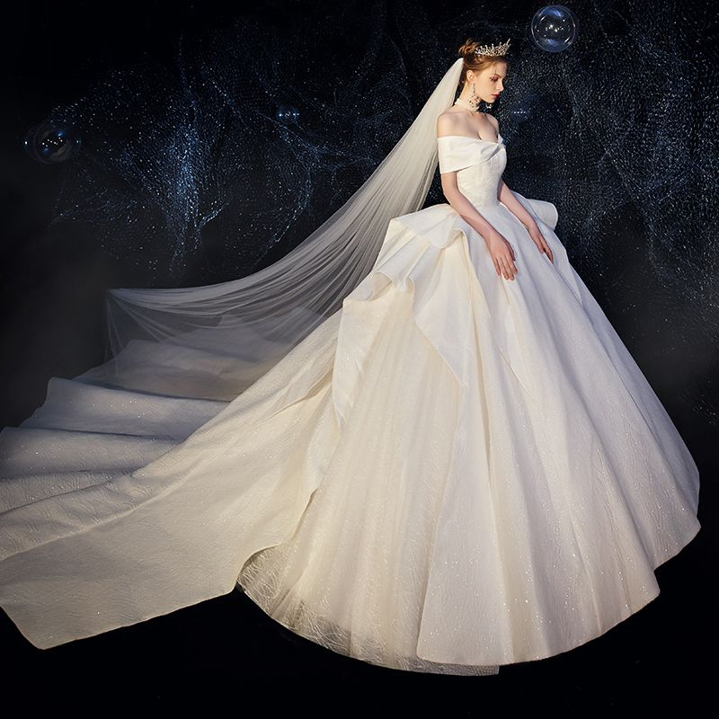High-end Ivory Wedding Dresses 2019 Ball Gown Bow Off-The-Shoulder Short Sleeve Backless Cascading Ruffles Royal Train
