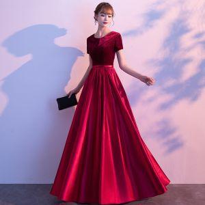 Affordable Burgundy Satin Evening Dresses  2020 A-Line / Princess Scoop Neck Short Sleeve Sash Floor-Length / Long Ruffle Suede Formal Dresses