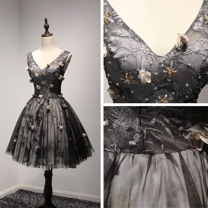 Chic / Beautiful Formal Dresses 2017 Party Dresses Black Short Ball Gown V-Neck Backless Sleeveless Artificial Flowers Lace Appliques Beading Crystal Sequins