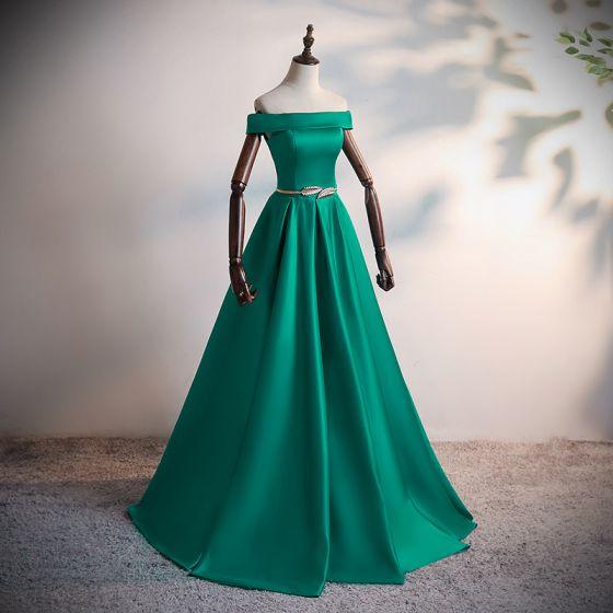 Sencillos Verde Oscuro Satén Bailando Vestidos de gala 2020 A-Line / Princess Fuera Del Hombro Manga Corta Metal Cinturón Delante De Split Largos Sin Espalda Vestidos Formales