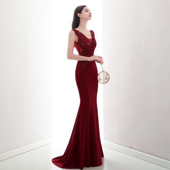 Chic / Beautiful Burgundy Evening Dresses  2020 Trumpet / Mermaid V-Neck Beading Rhinestone Lace Flower Sleeveless Backless Sweep Train Formal Dresses