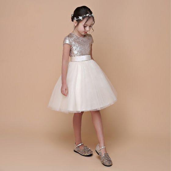 Brillante Champán Lentejuelas Vestidos para niñas 2020 Ball Gown Scoop Escote Manga Corta Cinturón Cortos Ruffle