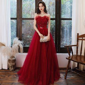 Elegantes Rojo Vestidos de noche 2020 A-Line / Princess Sin Tirantes Sin Mangas Rebordear Perla Rhinestone Glitter Tul Flor Cinturón Largos Sin Espalda Vestidos Formales