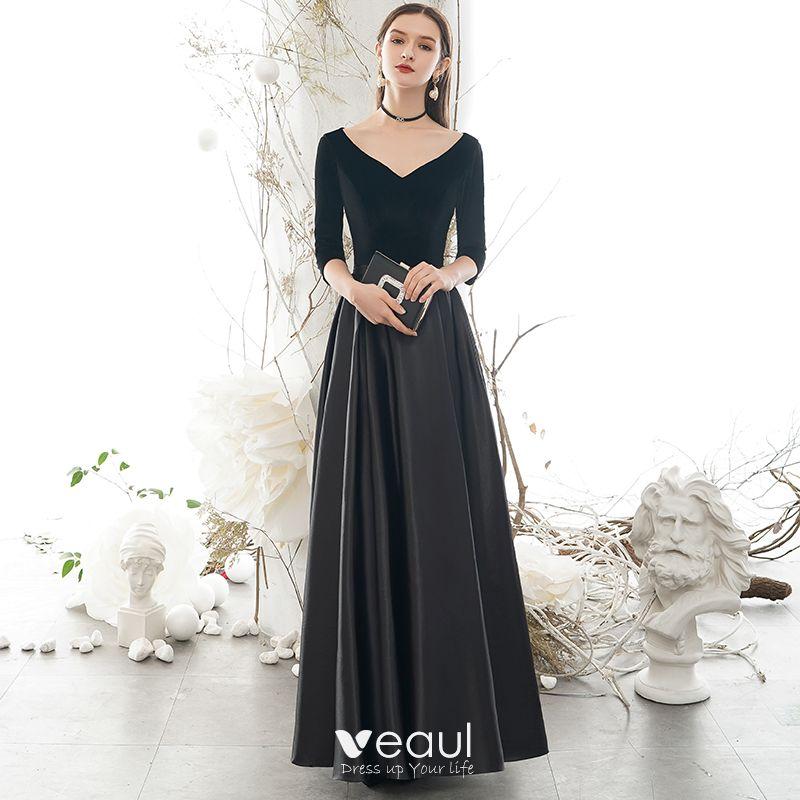 Schwarzes kleid lange armel ruckenfrei
