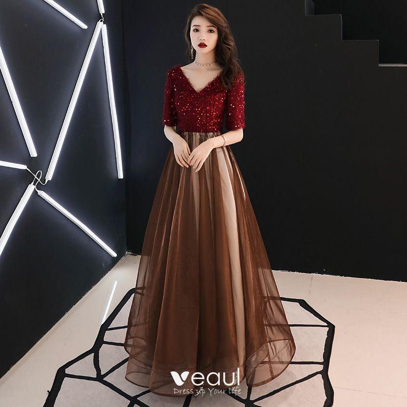 0fe6fa60e5 Stylowe   Modne Burgund Sukienki Wieczorowe 2019 Princessa V-Szyja Kutas  Cekiny 1 2 Rękawy Bez Pleców Długie Sukienki Wizytowe