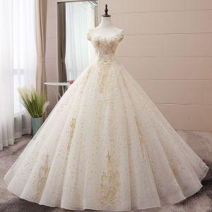 Eleganta Champagne Bröllopsklänningar 2019 Balklänning Av Axeln Beading Pärla Paljetter Spets Blomma Ärmlös Halterneck Chapel Train