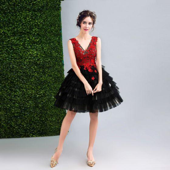 Chic / Beautiful Black Graduation Dresses 2017 A-Line / Princess V-Neck Lace Appliques Backless Beading Flower Homecoming Formal Dresses