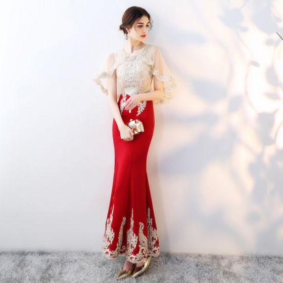 Schöne Rot Mit Schal Abendkleider 2019 Meerjungfrau Perlenstickerei Strass Spitze Blumen Rundhalsausschnitt Ärmellos Knöchellänge Festliche Kleider