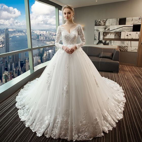 Chic Beautiful White Wedding Dresses 2018 Ball Gown Lace Liques Crystal Beading V Neck Backless Long