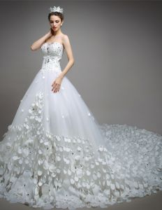 2015 A-line Sweetheart Handmade Petal Organza 150CM Cathedral Train Wedding Dress