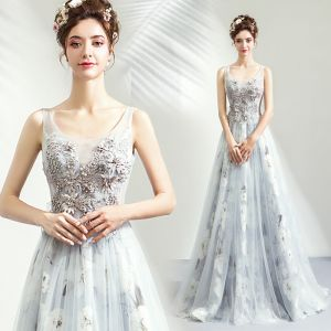 Romantic Grey Evening Dresses  2019 A-Line / Princess U-Neck Sleeveless Appliques Lace Pearl Printing Flower Floor-Length / Long Ruffle Backless Formal Dresses