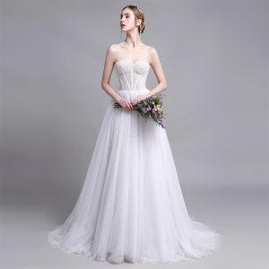 Charmant Weiß Brautkleider / Hochzeitskleider 2019 A Linie Herz-Ausschnitt Perlenstickerei Pailletten Ärmellos Rückenfreies Sweep / Pinsel Zug