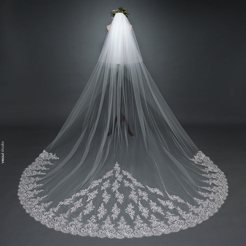 Luxury / Gorgeous White 2017 Wedding Veils Tulle Lace Appliques Embroidered Wedding