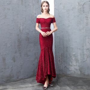 Sparkly Burgundy Evening Dresses  2019 Trumpet / Mermaid Off-The-Shoulder Lace Sequins Short Sleeve Backless Sash Asymmetrical Formal Dresses