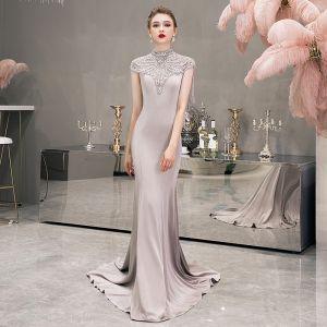Luxus / Herrlich Grau Abendkleider 2019 Meerjungfrau Stehkragen Ärmellos Perle Strass Perlenstickerei Quaste Sweep / Pinsel Zug Festliche Kleider