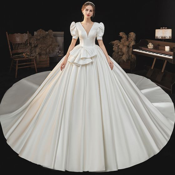 Vintage / Retro Audrey Hepburn Style Medieval Ivory Satin Wedding Dresses 2021 Ball Gown Deep V-Neck Puffy Short Sleeve Backless Royal Train Wedding
