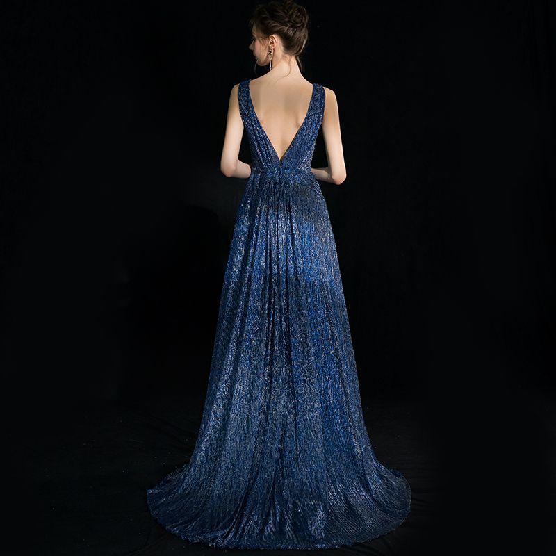 Elegante Donkerblauwe Avondjurken 2018 A lijn Glans V-Hals Ruglooze Mouwloos Sweep Trein Gelegenheid Jurken