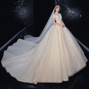 Vintage / Retro Champagne Bridal Wedding Dresses 2020 Ball Gown High Neck Short Sleeve Backless Appliques Lace Flower Handmade  Beading Royal Train