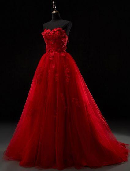 2016 Prachtige Strapless Lieverd Applique Dikke Kant Rode Tule Bruidsjurk Trouwjurken Met Sweep Trein