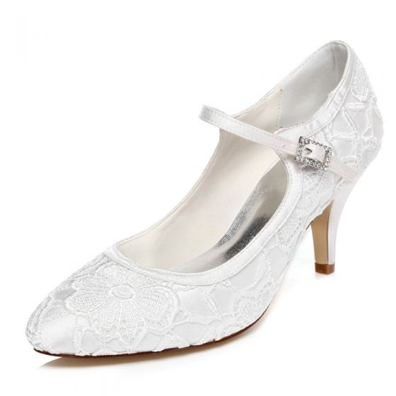 Modest / Simple Ivory Satin Wedding Shoes 2021 Lace Flower Wedding 7 cm Stiletto Heels Pointed Toe Pumps High Heels