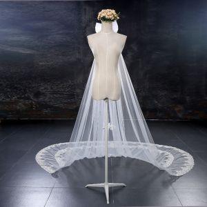 Schöne Weiß Brautschleier 2017 Spitze Tülle Stickerei Applikationen Hochzeit