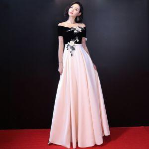Fine Svart Selskapskjoler 2017 Prinsesse Strapless Charmeuse Appliques Beading Aften Formelle Kjoler