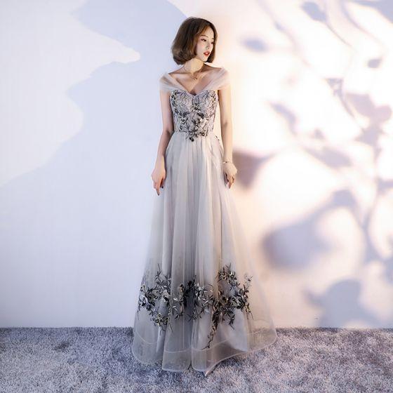 Piękne Szary Sukienki Na Bal 2017 Princessa Przy Ramieniu Kochanie Bez Rękawów Aplikacje Z Koronki Długie Wzburzyć Bez Pleców Sukienki Wizytowe
