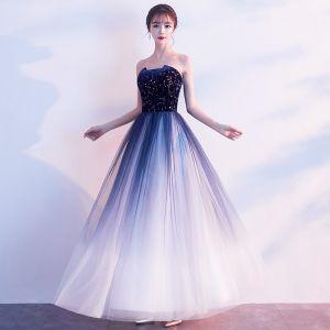 Charmant Bleu Marine Robe De Bal Princesse 2019 Bustier Daim Étoile Sans Manches Dos Nu Longue Robe De Ceremonie