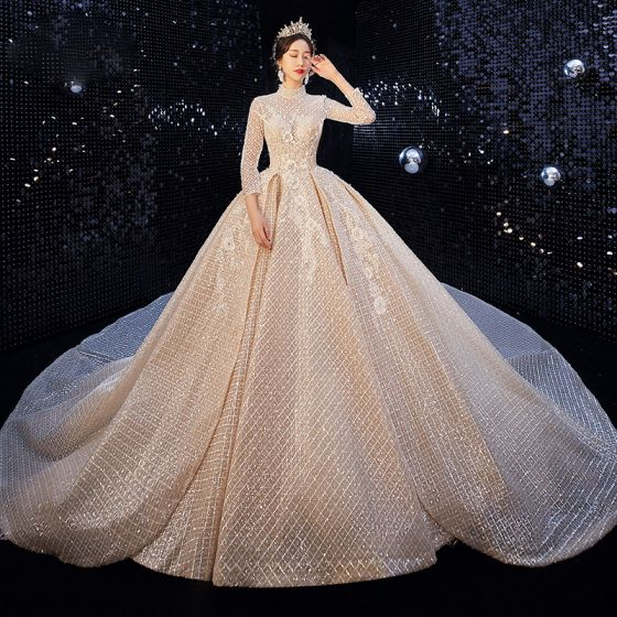 Luxe Champagne Percé Robe De Mariée 2020 Robe Boule Col Haut 3/4 Manches Dos Nu Glitter Tulle Perlage Cathedral Train Volants