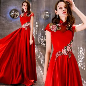 Chinese style Affordable Red Satin Evening Dresses  2019 A-Line / Princess High Neck Sleeveless Embroidered Flower Beading Floor-Length / Long Ruffle Backless Formal Dresses