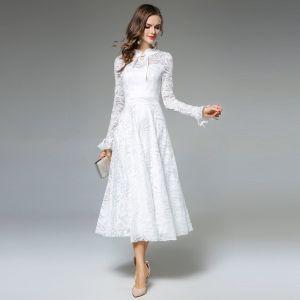 Eenvoudige Ivoor Toevallig Maxi-jurken 2019 A lijn Ronde Hals Ruche Lange Mouwen Tea-length Dameskleding