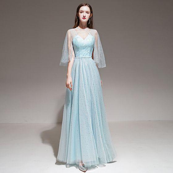 Romantisch Himmelblau Abendkleider Mit Schal 2020 A Linie Schultern Ärmellos Perlenstickerei Stoffgürtel Lange Rüschen Rückenfreies Festliche Kleider