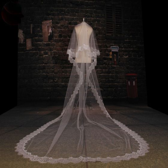 Long Tailing Milky Lace Veil Soft Yarn Material