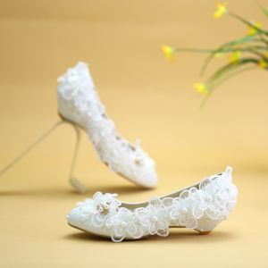 Modest / Simple White Flat Wedding Shoes 2019 Lace Flower Rhinestone Pointed Toe