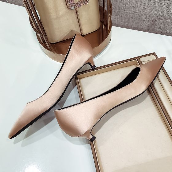 Modest / Simple Champagne Low Heel Bridesmaid Pumps 2020 Satin 5 cm / 2 inch Stiletto Heels Pointed Toe Pumps