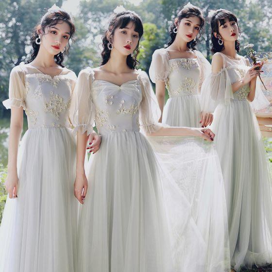 Elegantes Gris Vestidos De Damas De Honor 2021 A-Line / Princess Manga Corta Sin Espalda Apliques Con Encaje Flor Largos La Dama De Honor Vestidos para bodas