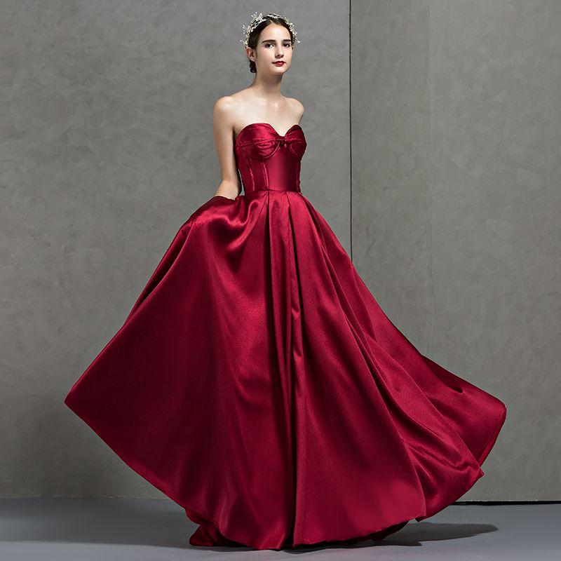 Simple Bordeaux Robe De Soirée 2018 Princesse Amoureux Sans Manches Longue Volants Dos Nu Robe De Ceremonie