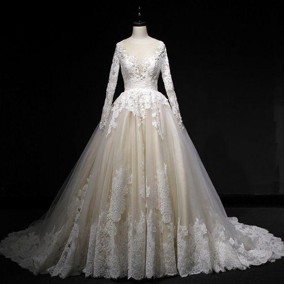 Eleganta Champagne Bröllopsklänningar 2018 Balklänning Spets Appliqués Paljetter Urringning Halterneck Långärmad Domstol Tåg Bröllop