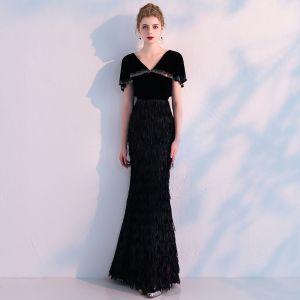 Mode Schwarz Abendkleider Mit Schal 2019 Meerjungfrau V-Ausschnitt Strass Quaste Polyester Lange Rüschen Festliche Kleider
