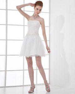 Mode Tüll Falten Gebördelte Trägerlose Oberschenkellänge Kurz Brautkleider Mini