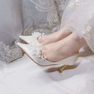 Romantisch Ivoor Satijn Bruidsschoenen 2020 Leer Parel Bloem 7 cm Naaldhakken / Stiletto Spitse Neus Huwelijk Pumps