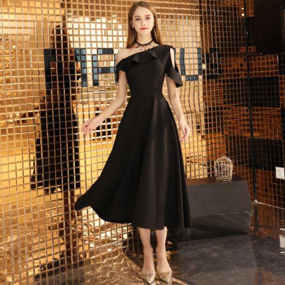Modest / Simple Solid Color Black Homecoming Little Black Dress 2020 A-Line / Princess One-Shoulder Short Sleeve Backless Tea-length Graduation Dresses